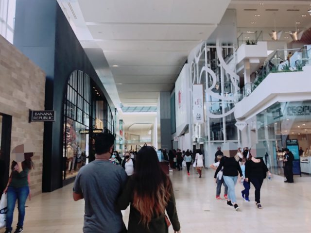 Yorkdale Mallの様子